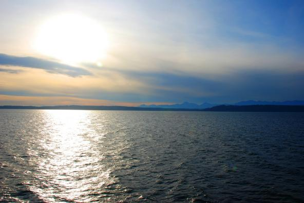 Puget Sound. Photo: S.N. Johnson-Roehr (CC BY-NC 2.0) https://www.flickr.com/photos/snjr22/4095840433