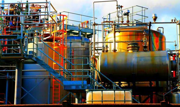 Industrial plant. Photo: Gray World (CC BY 2.0) https://www.flickr.com/photos/greyworld/6159264209
