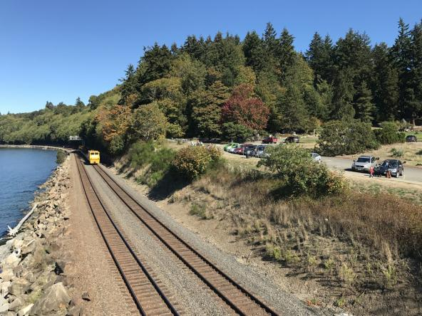 Railroad tracks run along the shore below Carkeek Park. Photo: Seattle Parks & Recreation (CC BY 2.0) https://www.flickr.com/photos/seattleparks/33096963420
