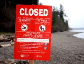 Beach closed sign. Photo: Washington Department of Ecology
