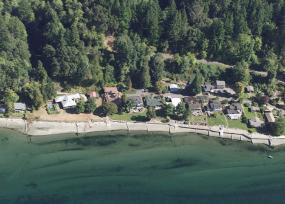 Aerial view of the Vashon Island shoreline.